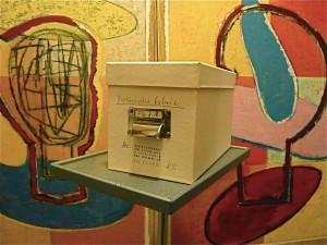 Schaltjahrprojekt, 2008, Kiste mit 366 Postkarten für J.M. Berlinische Galerie